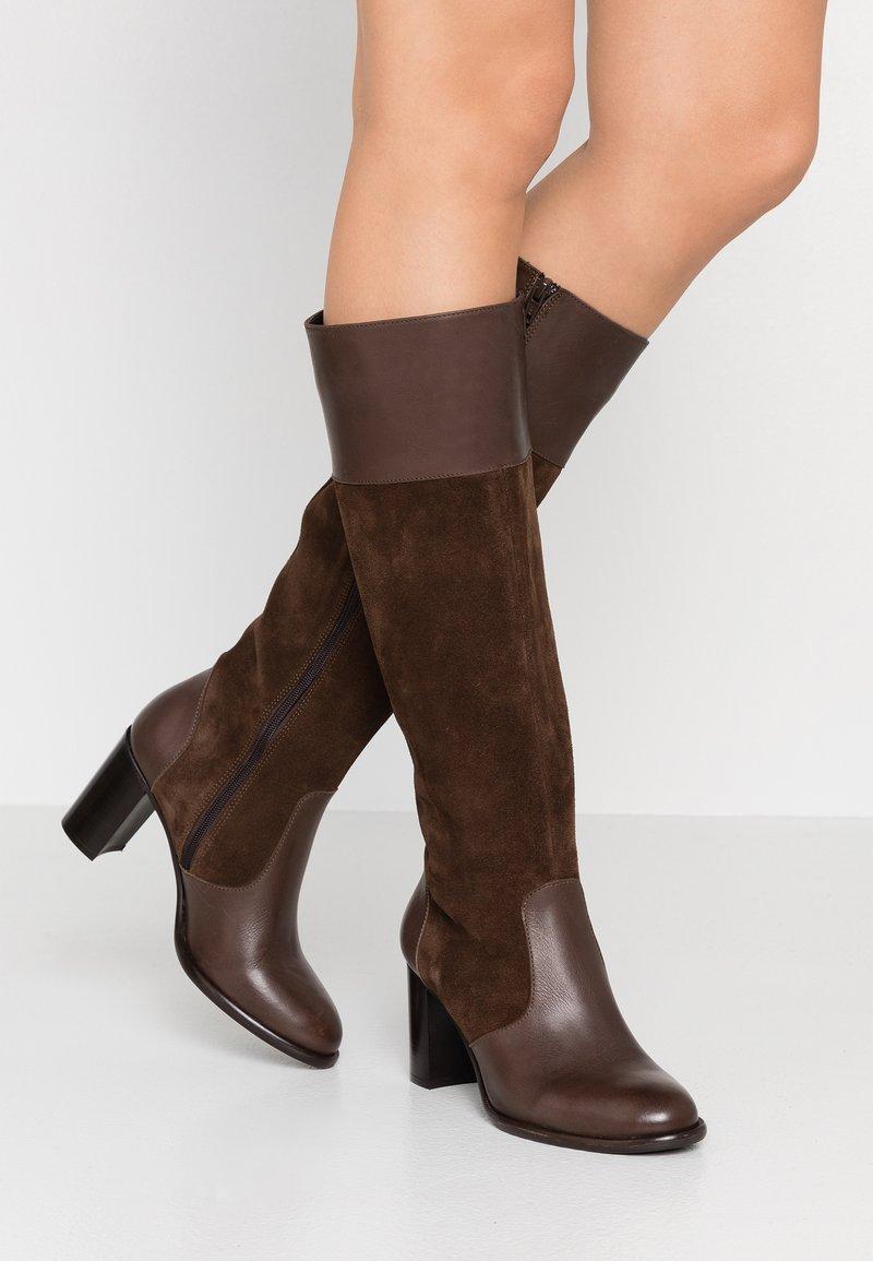 KIOMI - Stivali alti - brown