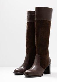 KIOMI - Stivali alti - brown - 4