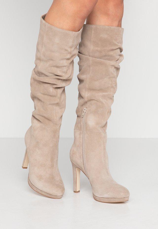 Platform boots - beige