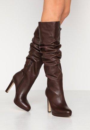 Botas con plataforma - dark brown