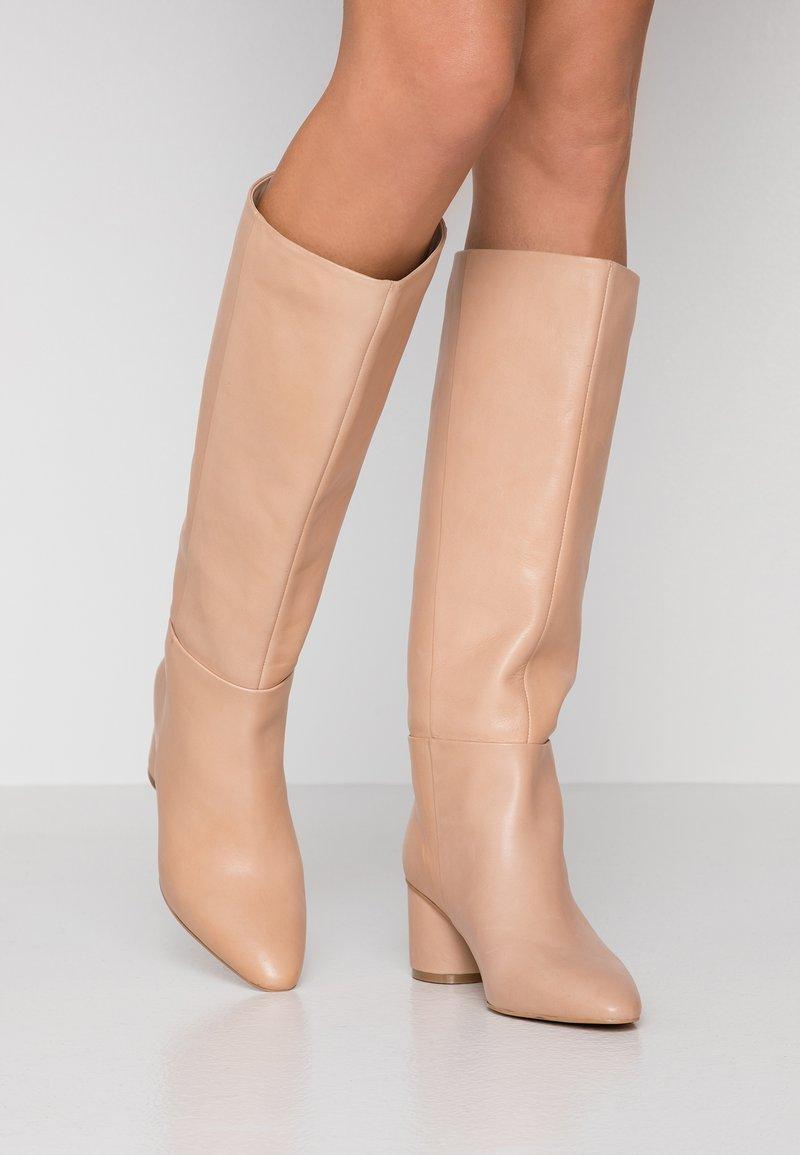 KIOMI - Støvler - beige