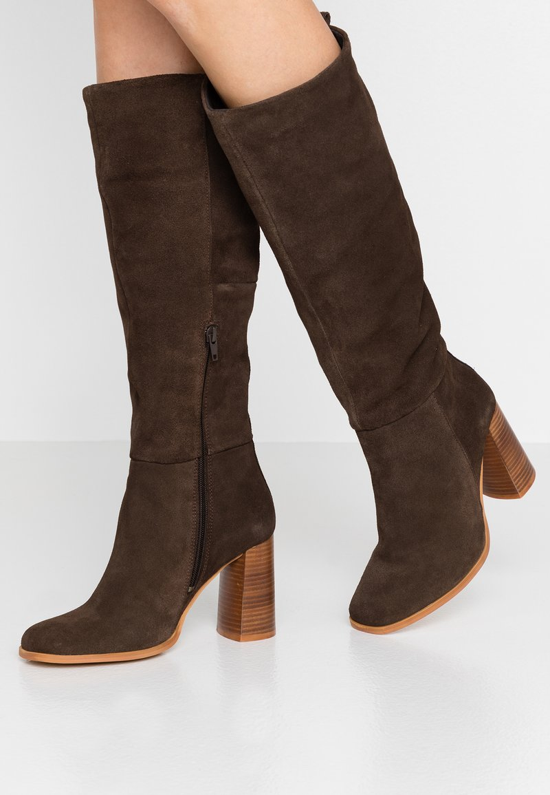 KIOMI - High Heel Stiefel - brown