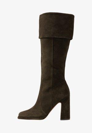 Laarzen met hoge hak - oliv