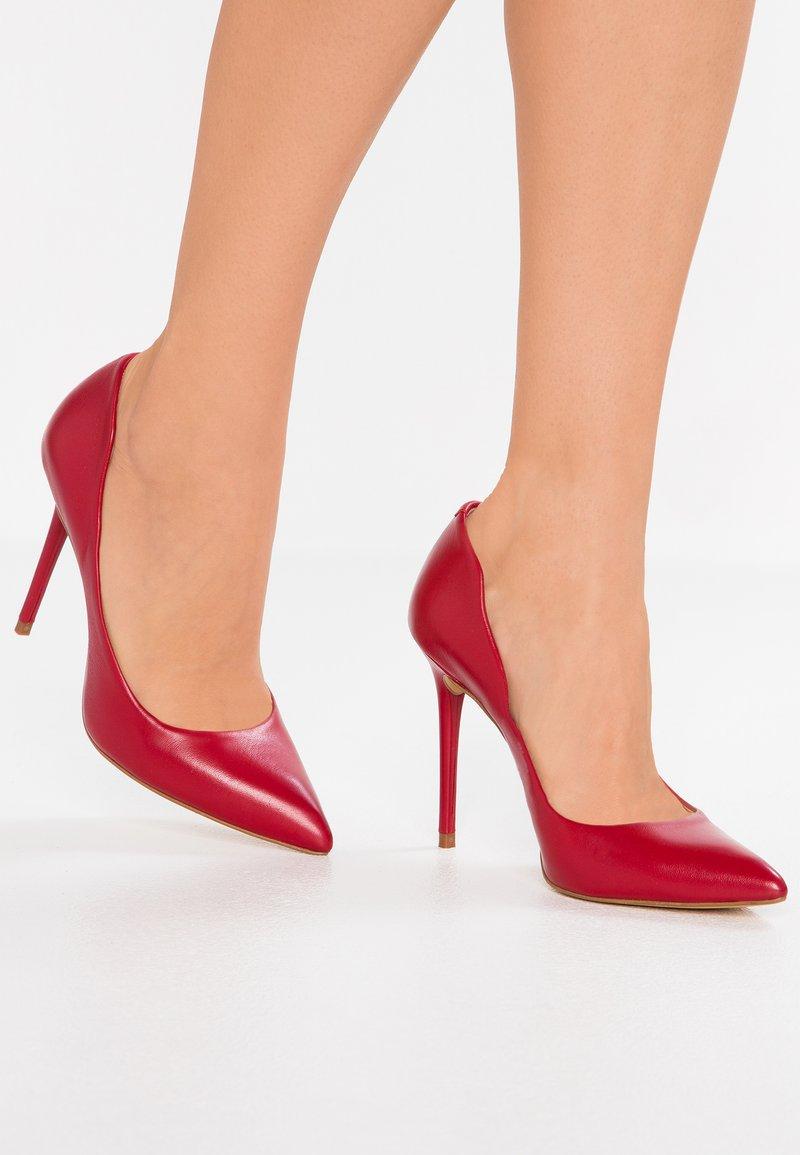 KIOMI - High heels - red