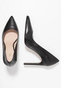 KIOMI - Høye hæler - black - 3