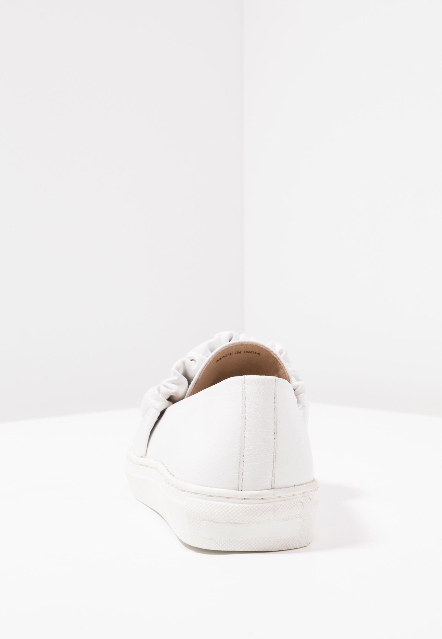 Kiomi Mocassins - White