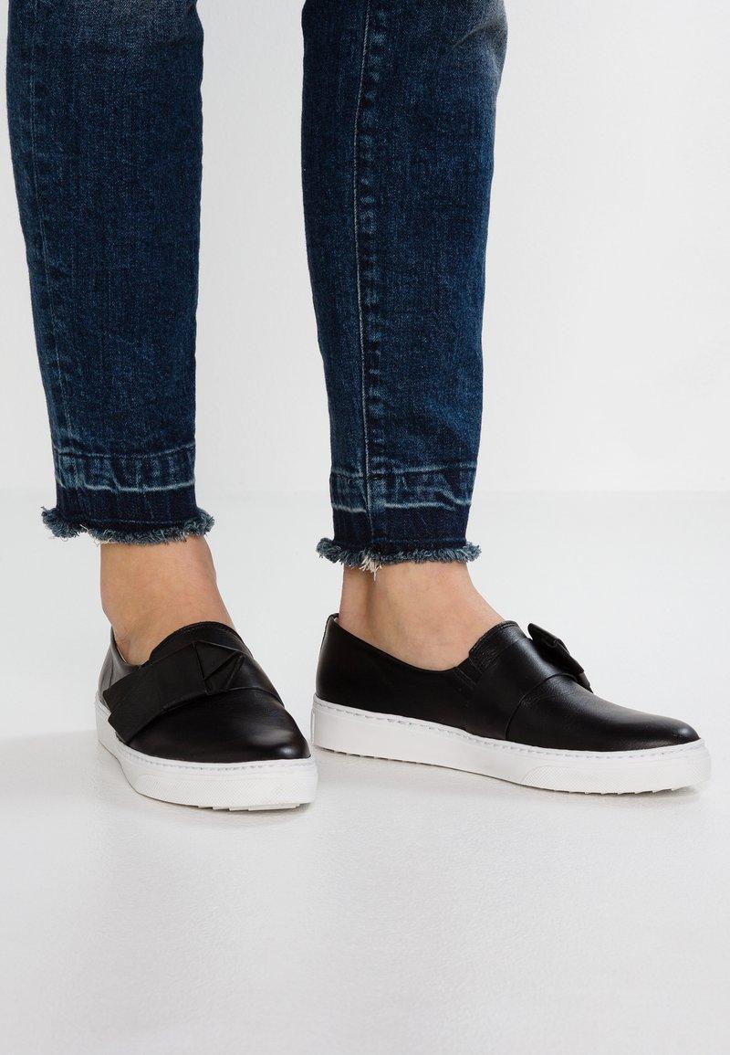 KIOMI - Loafers - black