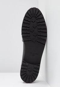 KIOMI - Slippers - black - 6