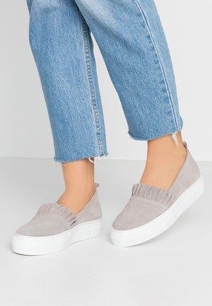 Slipper - light grey