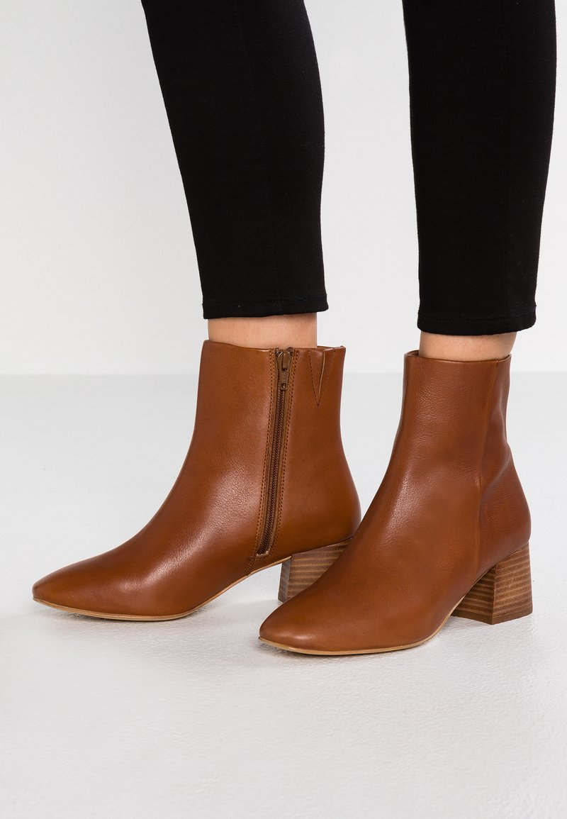 KIOMI Wide Fit - Stiefelette - brown
