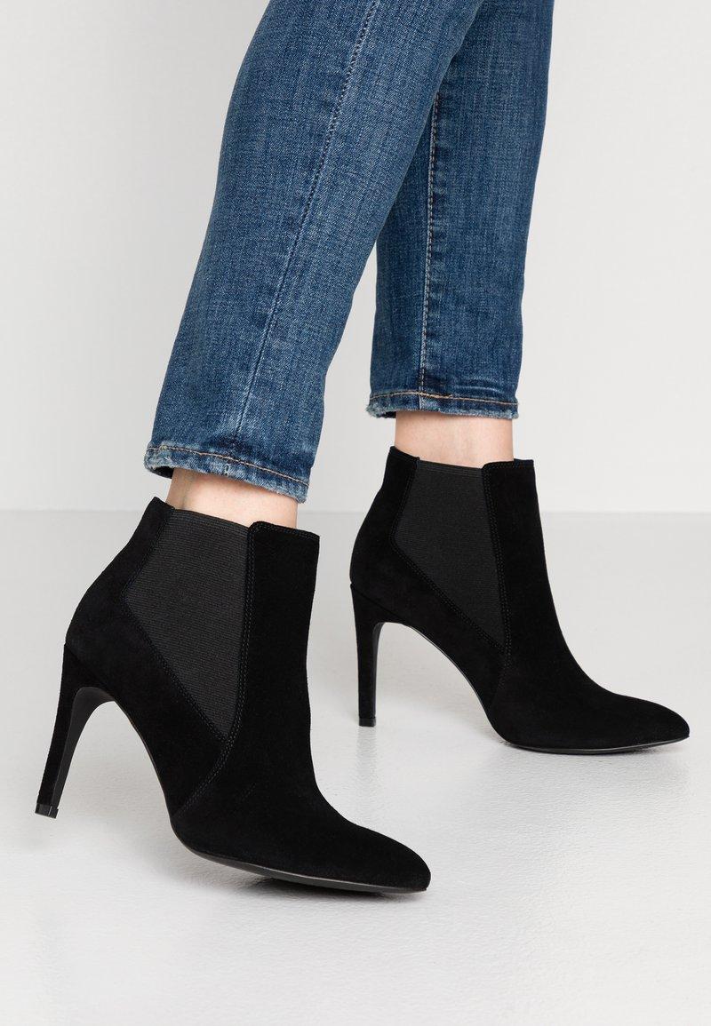 KIOMI - High Heel Stiefelette - black