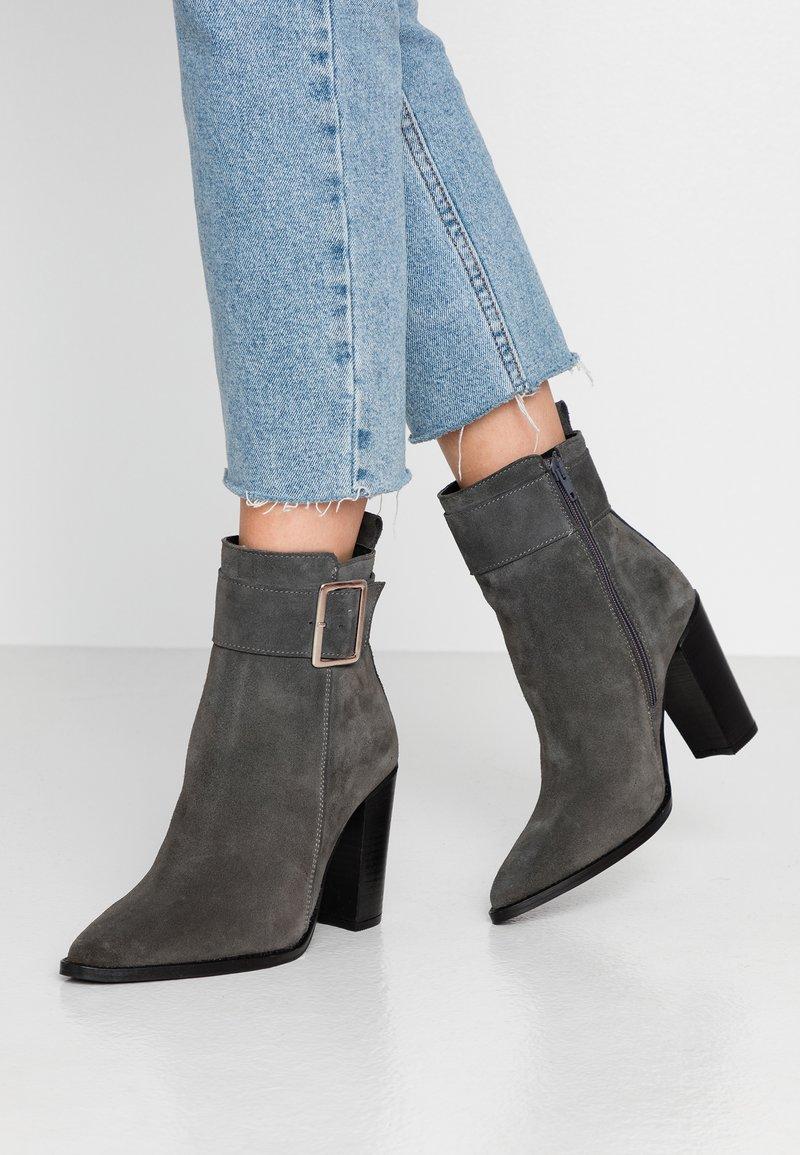 KIOMI - Classic ankle boots - dark gray