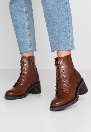 Snørestøvletter - brown