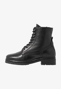 KIOMI - Botines con cordones - black - 1
