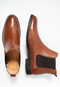 KIOMI - Kotníkové boty - cognac - 1