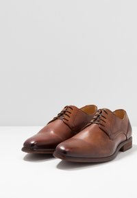 KIOMI - Smart lace-ups - cognac - 2
