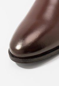 KIOMI - Zapatos con cordones - brown - 5