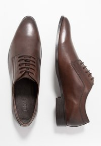KIOMI - Zapatos con cordones - brown - 1