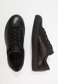KIOMI - Sneakersy niskie - black - 1