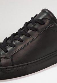 KIOMI - Sneakersy niskie - black - 5