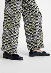 KIOMI - Pantalon classique - off white/black - 4