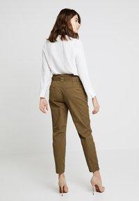 KIOMI - Trousers - khaki - 2