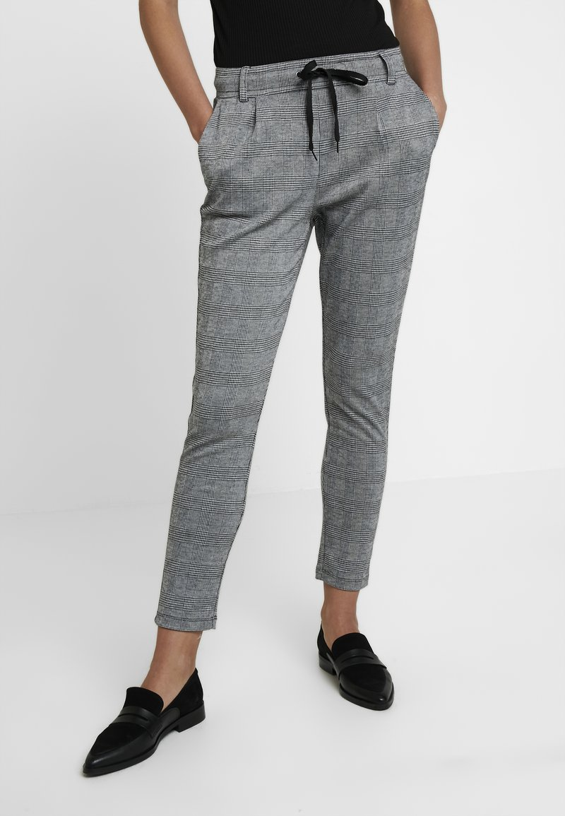 KIOMI - Pantalon de survêtement - black/white