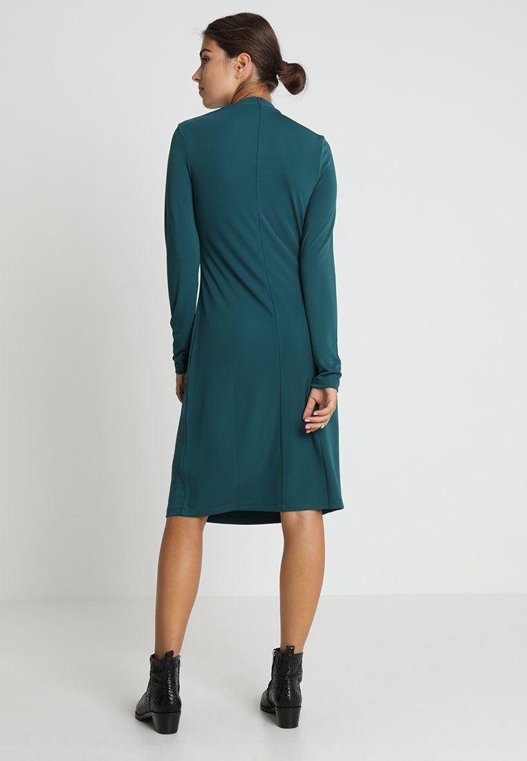 KIOMI Robe en jersey - vert green gables