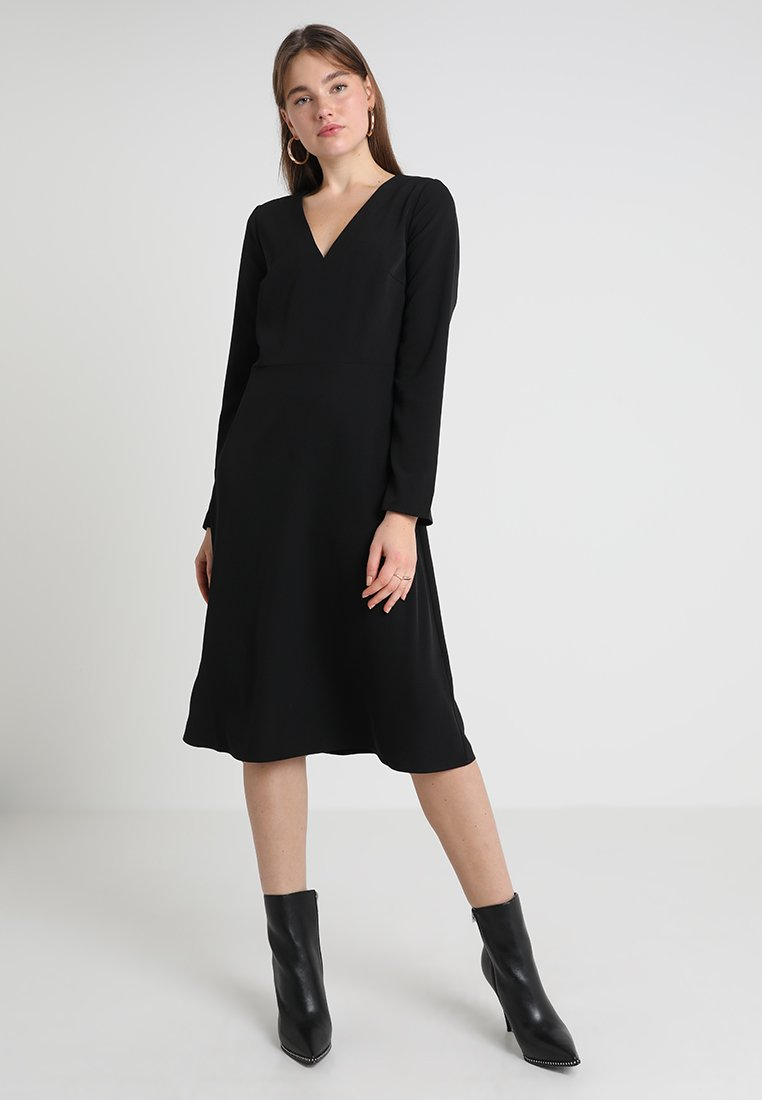 KIOMI - Freizeitkleid - black