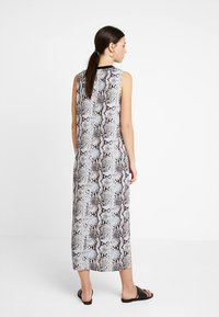 KIOMI - Maxi dress - multi-coloured