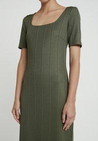 KIOMI - Day dress - olive night - 6