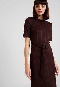 KIOMI - Jersey dress - chocolate plum - 3