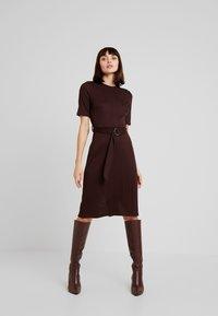 KIOMI - Jersey dress - chocolate plum - 0