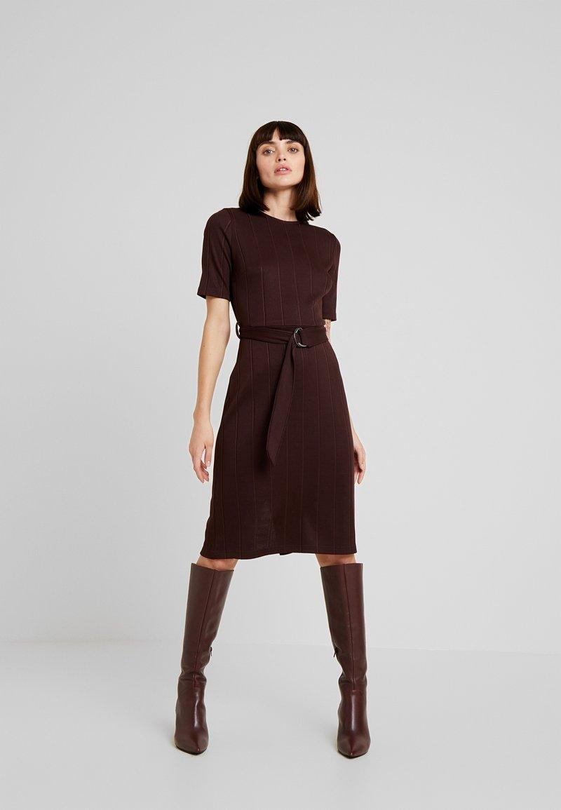 KIOMI - Jersey dress - chocolate plum