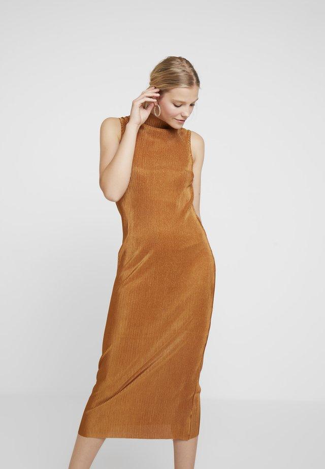 Długa sukienka - golden yellow