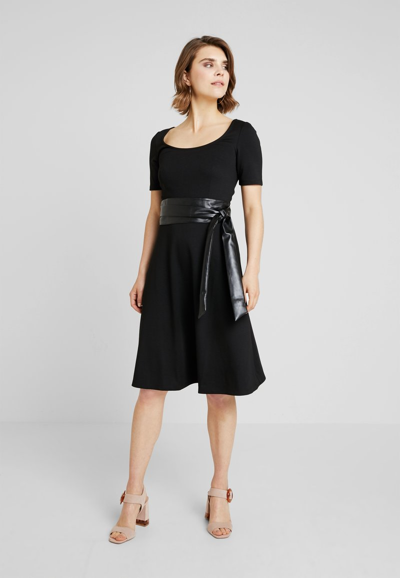 KIOMI - Jersey dress - black