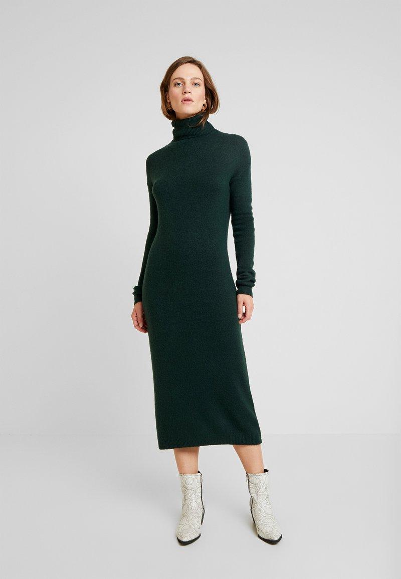 KIOMI - Vestido de tubo - dark green