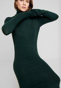 KIOMI - Vestido de tubo - dark green - 3