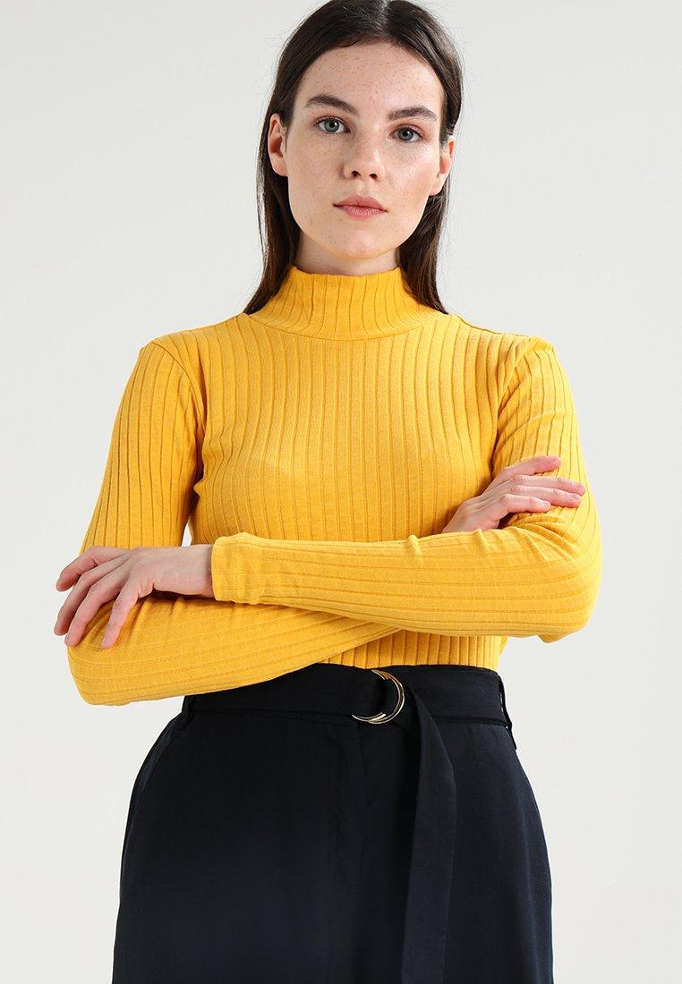 KIOMI - Strickpullover -  yellow