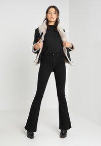 KIOMI - Long sleeved top - black - 1