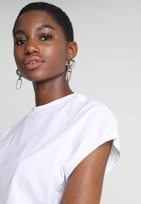 KIOMI - Basic T-shirt - white - 4