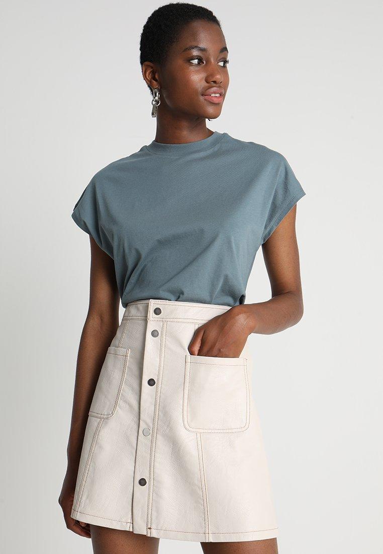 KIOMI - Camiseta básica - goblinblue