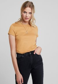 KIOMI - T-shirt basic - apple cinnamon - 0
