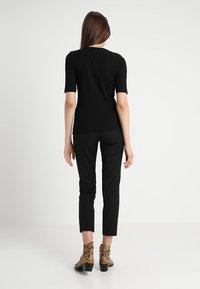 KIOMI - T-shirt - bas - black - 2