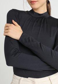 KIOMI - Top sdlouhým rukávem - black - 5