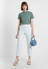 KIOMI - T-shirt basic - goblinblue - 1