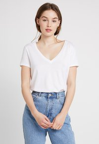 KIOMI - Basic T-shirt - white - 0