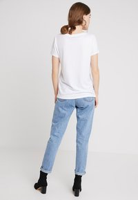 KIOMI - Basic T-shirt - white - 2