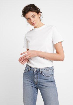 Jednoduché triko - bright white