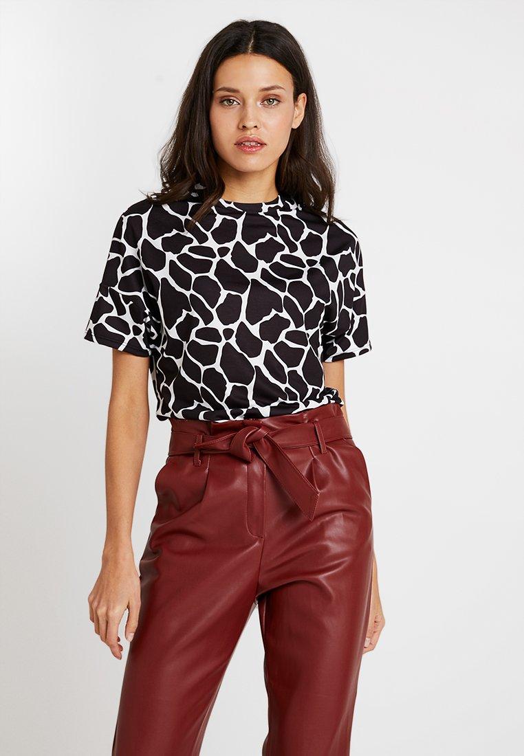 KIOMI - T-Shirt print - black/white